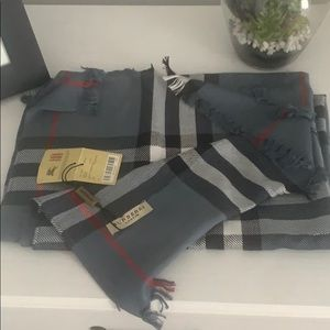 Burberry scarf brand new with tags